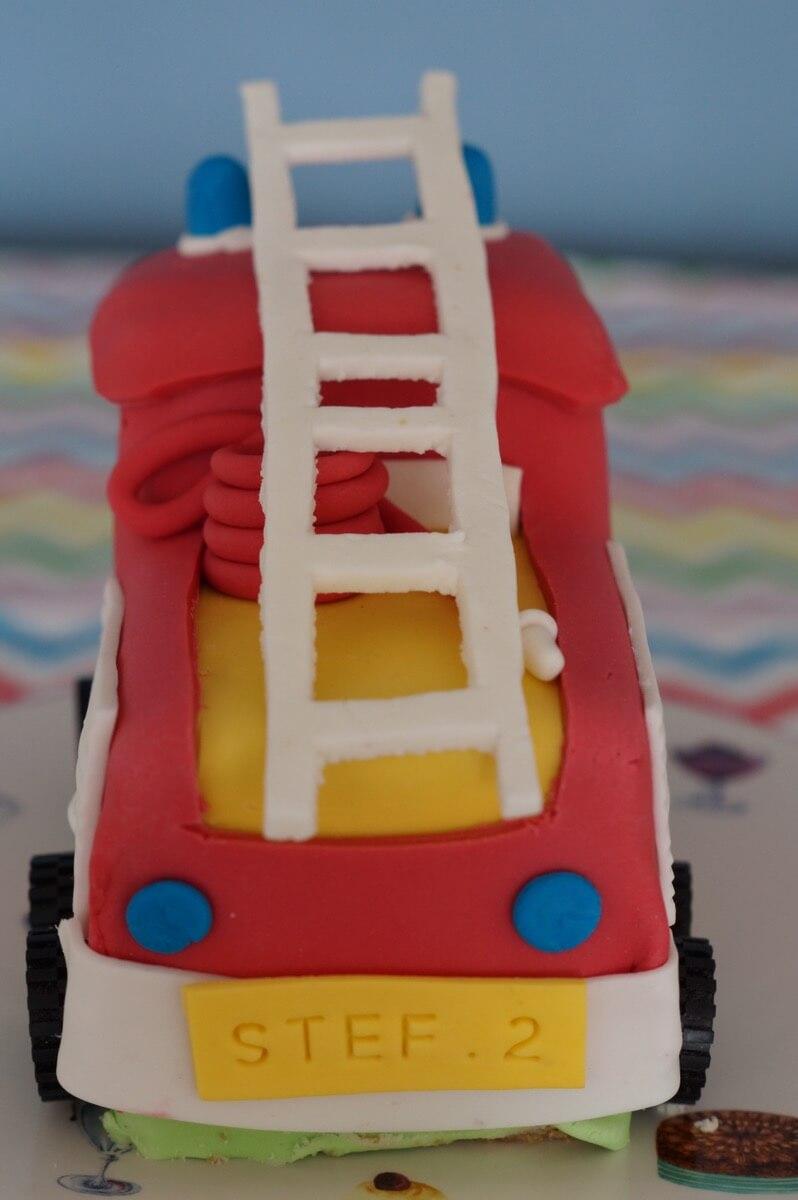 Brandweerautotaart detail